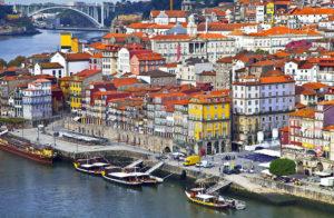 portugal-oporto-cais-da-ribeira